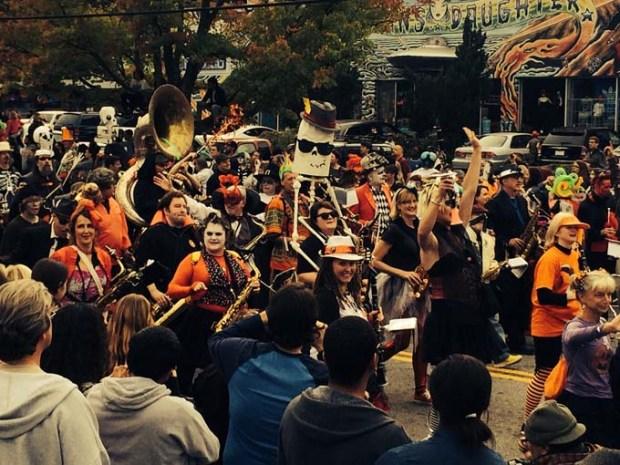 Wild Rumpus Parade & Spectacle, acontece em Athens