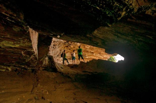 Para quem gosta, uma caverna é quase um lar. A aventura é muito divertida.