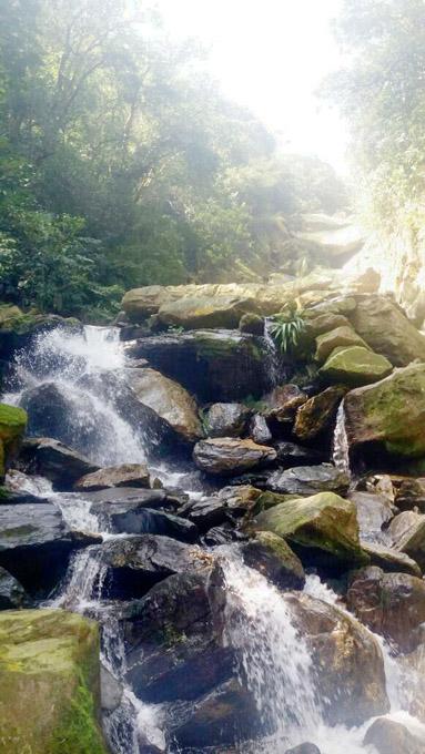 Fique atento! Se a força das águas rola as pedras, você precisa ter cuidado.