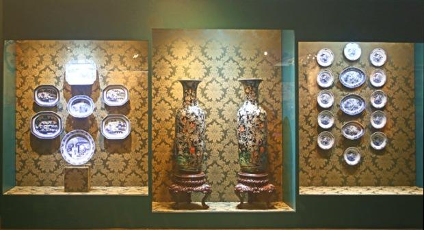 Porcelana portuguesa. O Museu Afro Brasil fala de nossas origens.