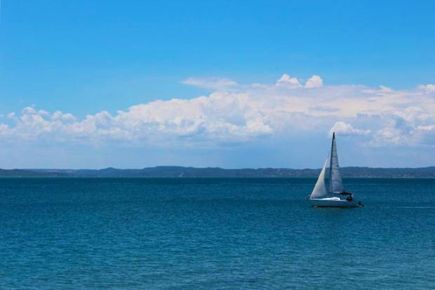 Quem consegue pensar em problemas olhando para o mar de Itaparica?