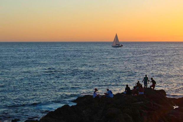 Sonhos de ventos e velas... O mar infinito e a terra distante.
