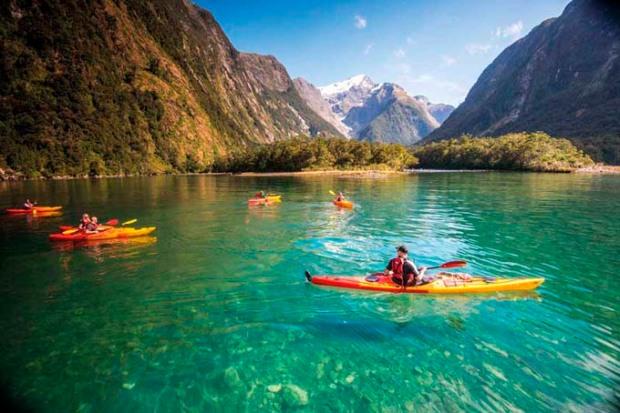 Lago na Nova Zelândia.