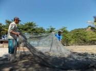 Castelhanos rede de pesca praia