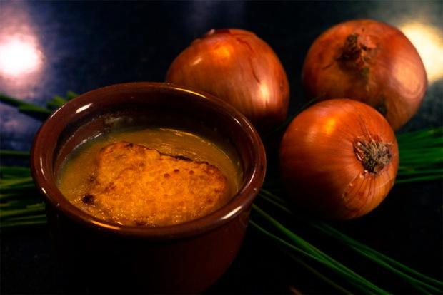 Você vai querer repetir a sopa de cebola gratinada.
