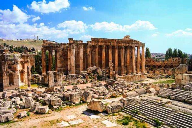 Ruínas do templo de Bacchus, em Baalbek.