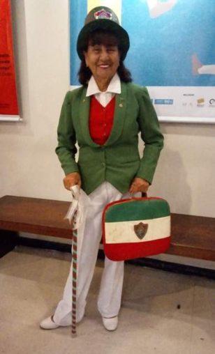 Dona Maria de Lourdes, mais conhecida como a Vovó tricolor.