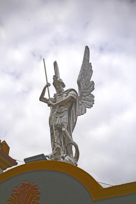 O Anjo na Igreja Matriz de São Lourenço Mártir.